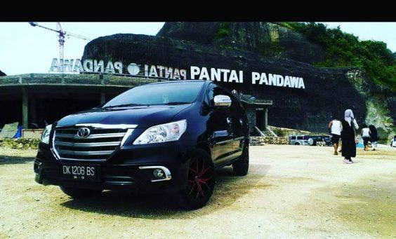 5 mobil besar yang cocok digunakan untuk liburan di Bali